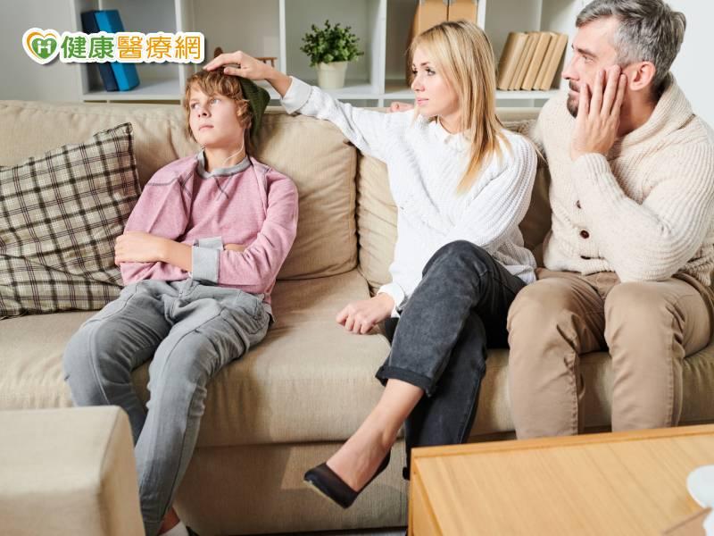 父母面对孩子情绪 5把关键之钥